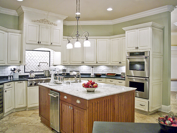 4 color choices to make over kitchen cabinet home decor for Paint choices for kitchen cabinets
