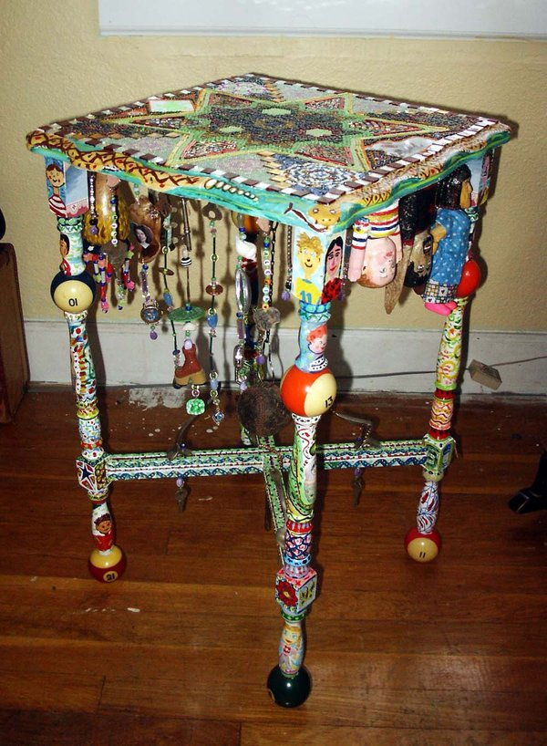Folk Table Art Design