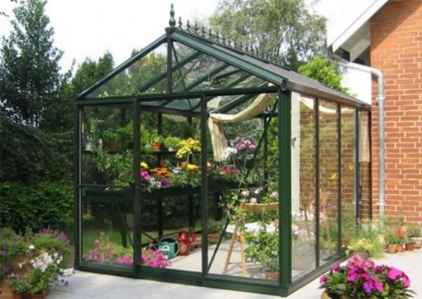 3 benefits of small glass house on garden home decor report for Garden glass house designs