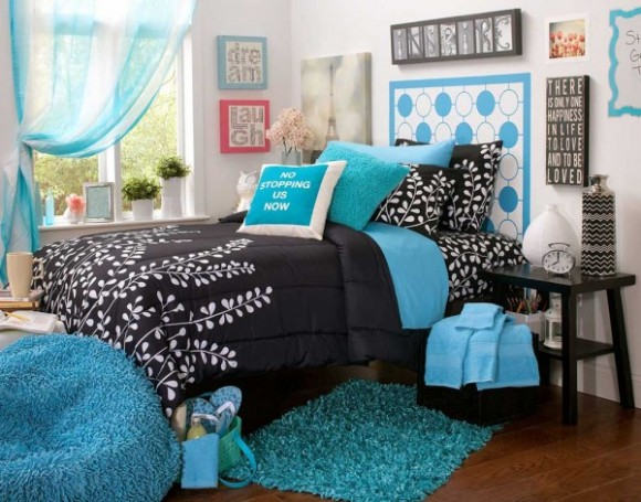 Bright Aqua Bedrooms Pic